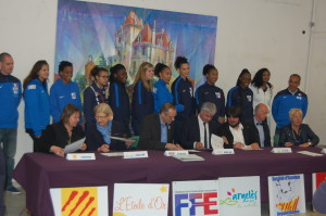 Signature convention stage équipe de France Epée Dames Argelès - avril 2017
